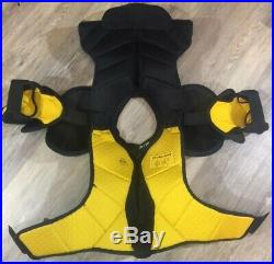 Bauer Supreme Total One MX3 Senoir Shoulder Pads Size Small NWOT