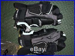 Brand New Bauer Supreme 1s Sr Hockey Gloves Black 14